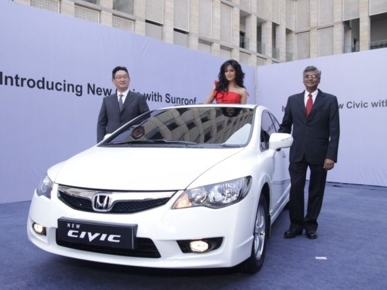 Honda Civic Gets A Sunroof