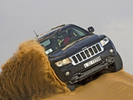 Jeep Grand Cherokee off-road action
