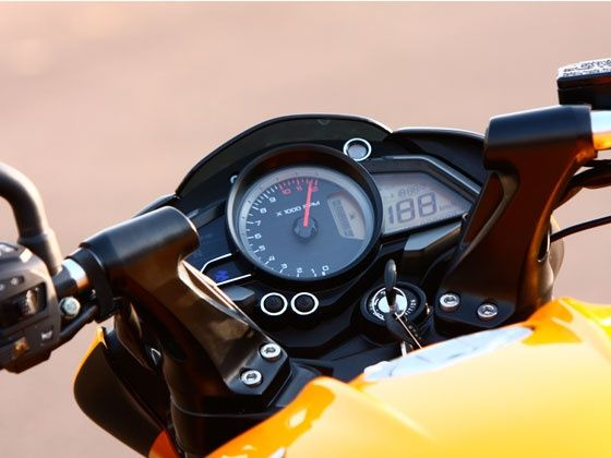 The New Pulsar 200NS - What A Bike  (Note Its Indian Bike Not Available In Pakistan) - pulsar 200 ns speedo 560x420