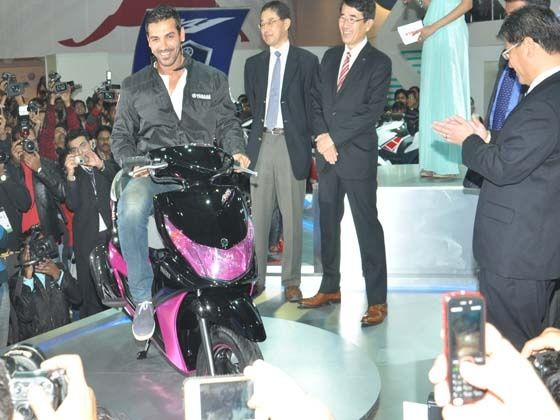 Yamaha Ray at the Auto Expo