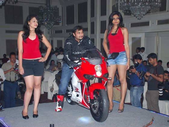 hyosung GT250R,hyosung 250r,gt250r,hyosung launches GT250R,Hyosung GT250R price in India