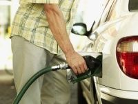 Commuters crowd petrol pumps across India