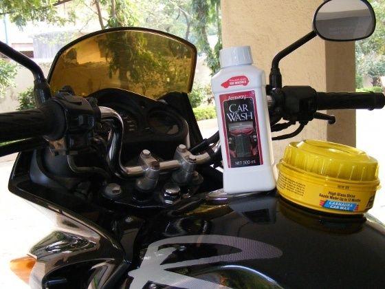 Bike wax polishing