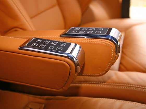 Mahindra XUV500 DC Lounge controls for the seat position