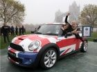 Women set world record for most people in a MINI