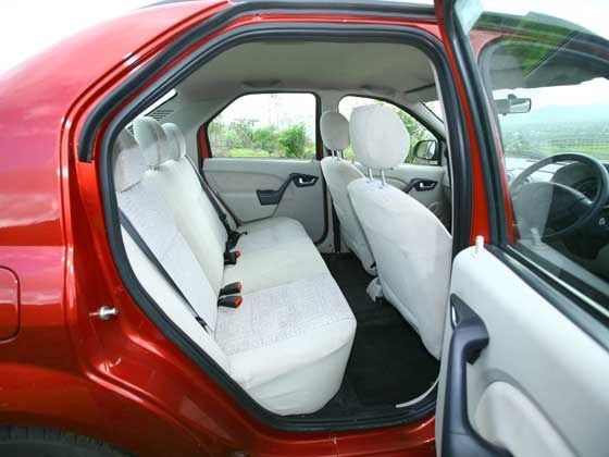 Mahindra Verito rear passenger legroom