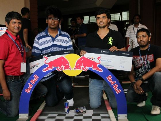 2012-red-bull-racing-can-winners-devils-own-01