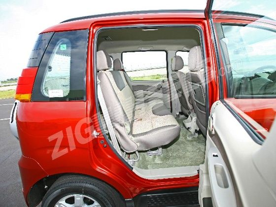 Mahindra-Quanto-rear-legroom