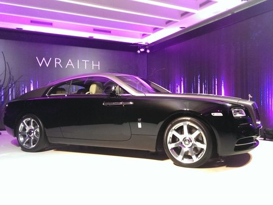 Rolls-Royce Wraith side shot