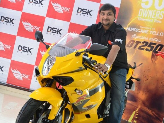 Shirish Kulkarni poses with the Hyosung GT250 R Limited Edition