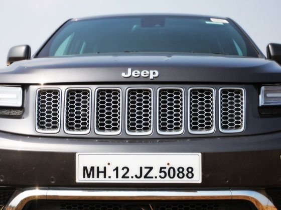 2013 Jeep Grand Cherokee Grille