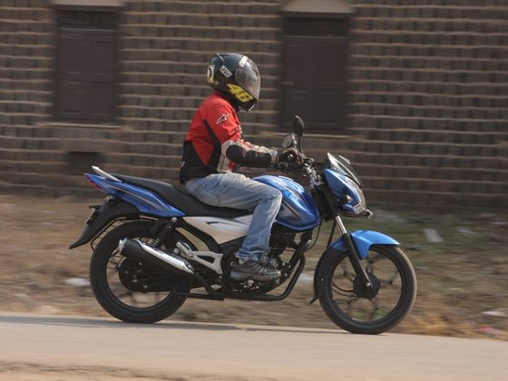 bajaj discover 110T ride action