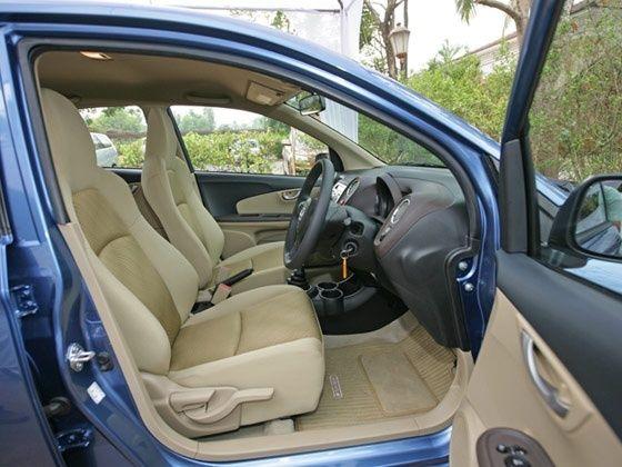 Honda Amaze front seat configuration
