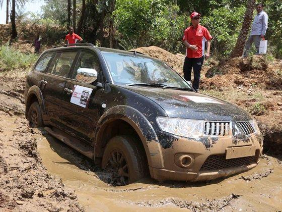 Mitsubishi Pajero Sport off road