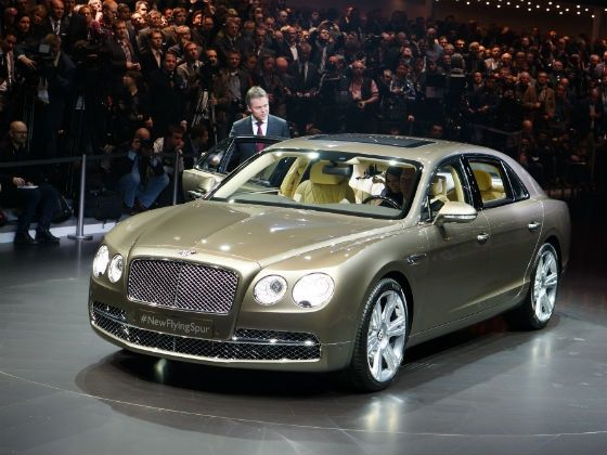 front view of the 2013 Bentley Flying Spur