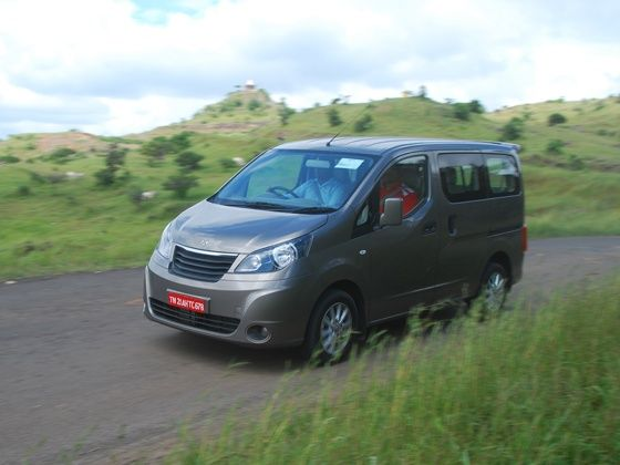 Ashok Leyland Stile action shot