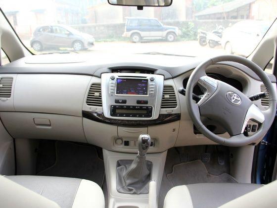 Toyota Innova Dashboard