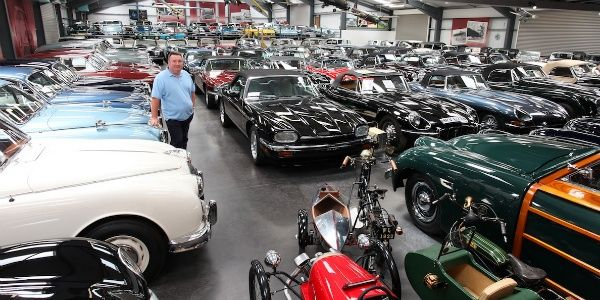 Jaguar buys largest private British classic car collection i