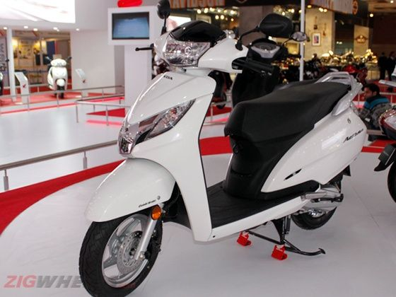 Honda Activa 125 white colour at Auto Expo 2014