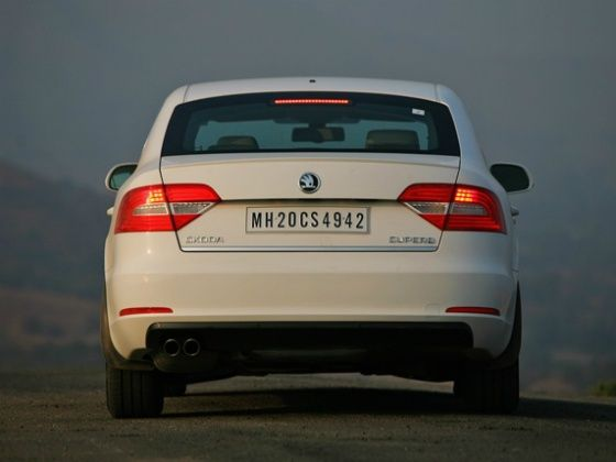 New Skoda Superb Rear