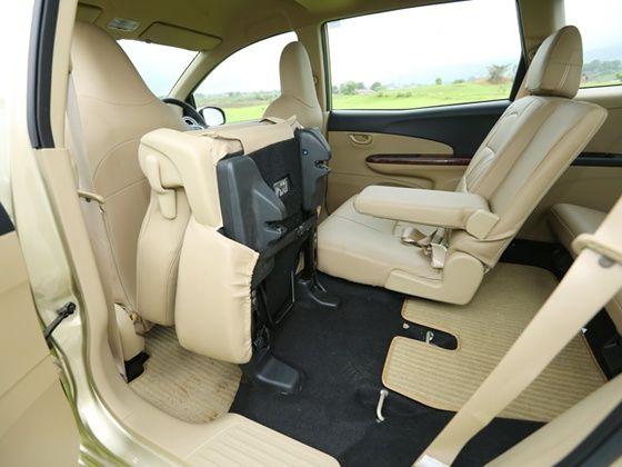 Honda Mobilio Review seats folded
