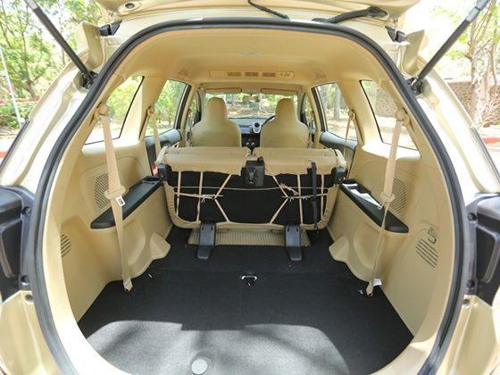 Honda Mobilio Rear space