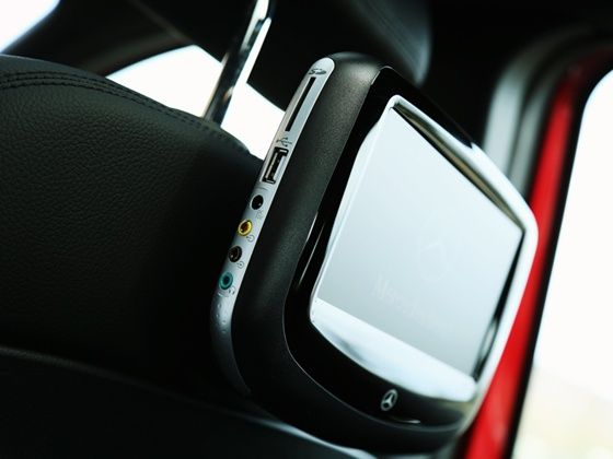 Mercedes-Benz  B-Class Edition 1 rear seat entertainment system