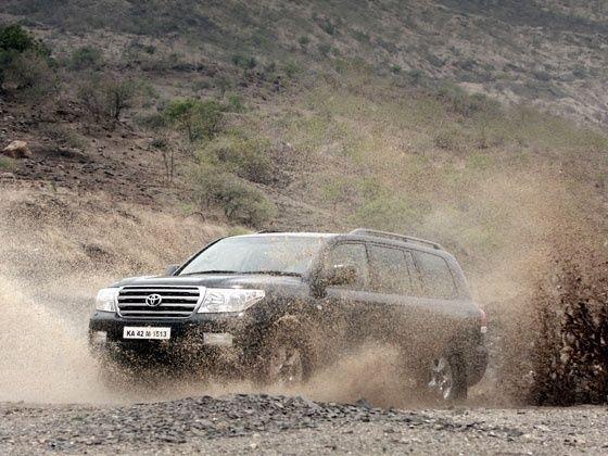 Toyota Fortuner Off roading