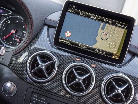 Mercedes B Class screen