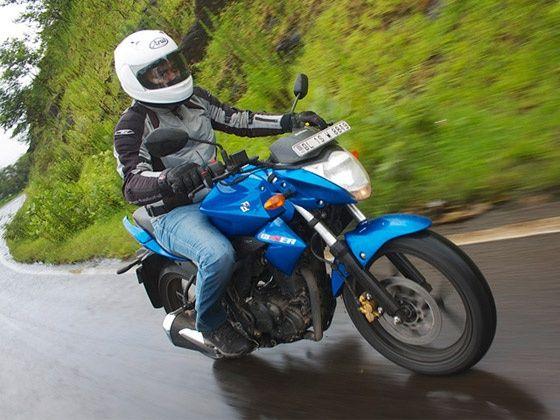 Suzuki Gixxer 155 riding position and ergonomics