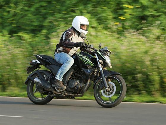 Yamaha FZ-S FI in action