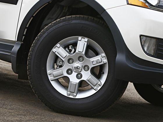 2015 Mahindra Xylo review wheel