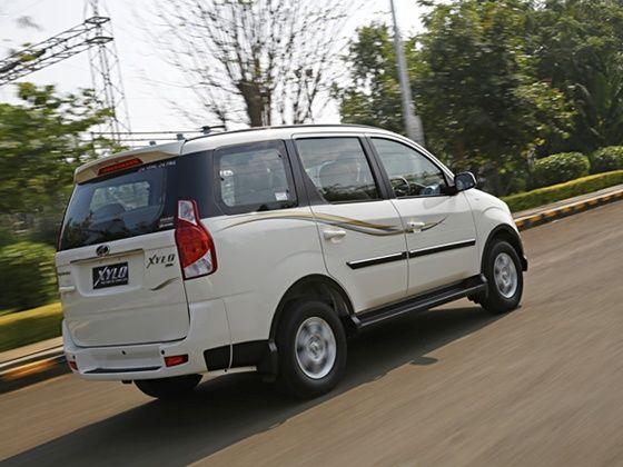 2015 Mahindra Xylo review rear tracking