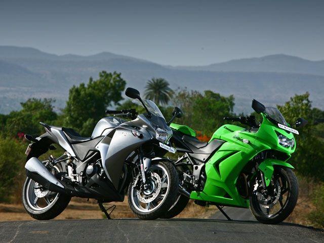 Honda CBR250R vs Kawasaki Ninja 250R ~ newgenR