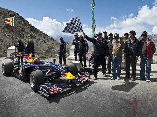 Red Bull racing team at Khardung La