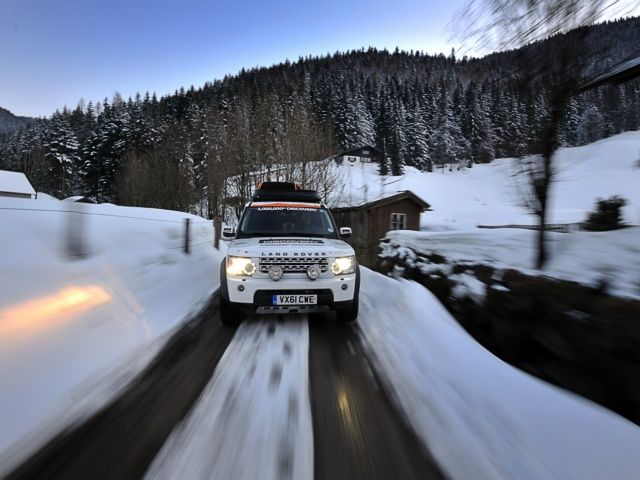 Ice driving - Land Rover Experience