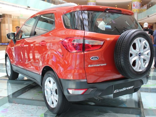 Ford EcoSport rear three quarter
