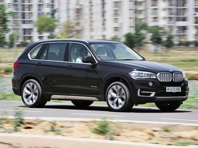 2014 BMW X5 front action shot