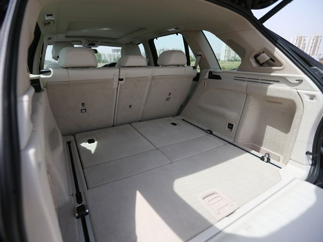 2014 BMW X5 boot space