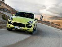 2013 Porsche Cayenne GTS Trailer