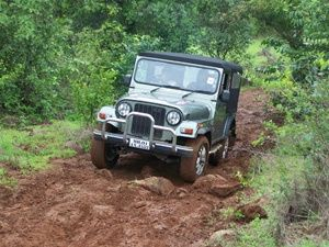 Mahindra Classic hillclimb attempt at the 91st Great Escape (Lonavala)