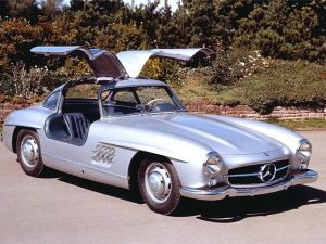 Old is gold: Mercedes-Benz