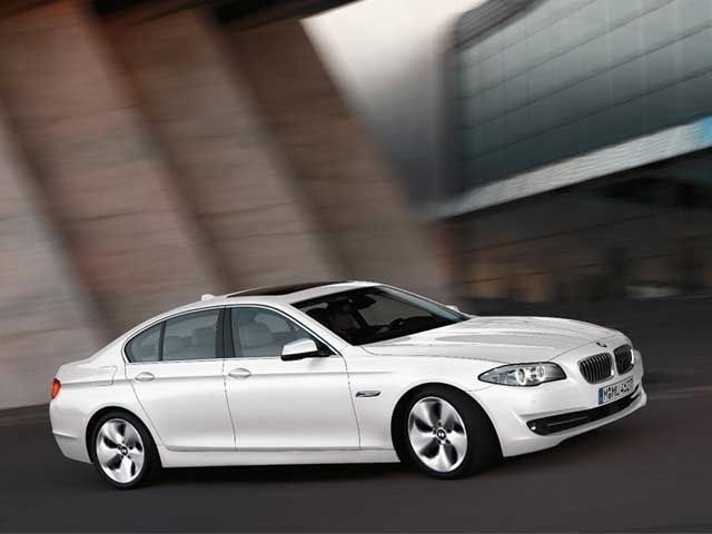 BMW 520d Efficient Dynamics Saloon Slide 1